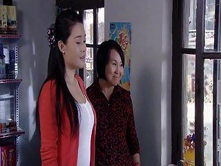 الصينية نجم جمال الثدي مثير