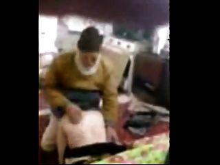 الرجل العجوز مع فتاة العربية أحمد 38