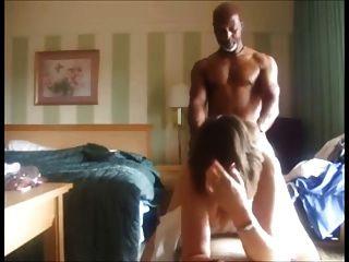 cuckolding زوجة استغل من قبل بي بي سي وتصوير ما حدث لزوجها
