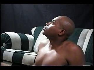 زوجة جنوب شقراء تحصل مارس الجنس وcreampied التي كتبها الرجل الأسود