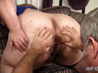 عملاق titty مهيب ماندي يأخذ الديك الدهون