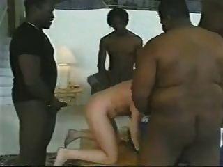 امرأة شقراء تتخذها 4 [بكس].بعل cuck لا تنظيف