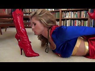 batwoman مباراة السوبر فتاة