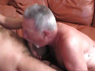 الرجل الأكبر سنا يحصل الملوك مارس الجنس مع شاعر كبير!