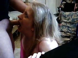 زوجة ناضجة رئيس إعطاء