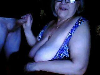 الجدة الروسية وامض ضخمة الثدي ن مص زوج كاميرا ويب