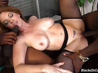 ناضجة أم كيكي مارس الجنس في جميع الثقوب التي كتبها بروس السوداء