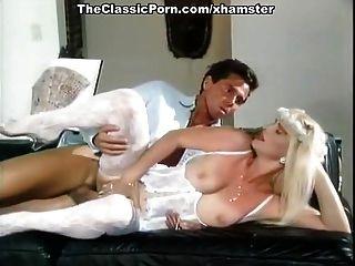 سيسيولينا، بوزي موانا، أجا في الفيلم الكلاسيكي XXX