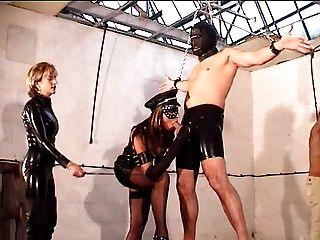 العشيقات وعبيدهم