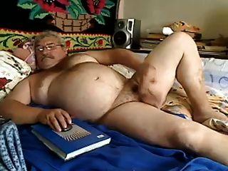 سمين في السرير