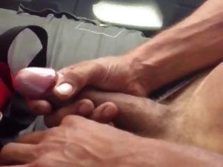 الرجال STR8 يظهر نظيره الاميركي ديك أمام صديقه