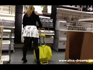 سكرتيرات وامض لا سراويل في متجر الشهير 2