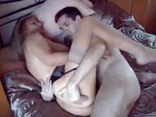 المرأة الناضجة الذين يمارسون الجنس مع الرجال الشباب