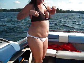 قارب متعة!