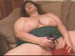 ببو أميرة استمناء مع 2 قضبان اصطناعية