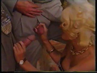 دونا وارنر دب كليب (غر 2)