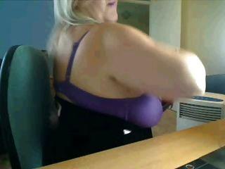ساخنة كبيرة الثدي أمي في كاميرا ويب