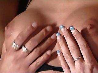 سيليا جونز دونا كولادا كليب (غر 2)