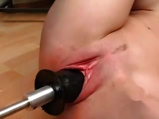 الساخنة الألمانية فاتنة مارس الجنس من قبل الجهاز