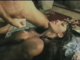 الاباحية الحصول على اللعنة مع نائب الرئيس على لها الثدي