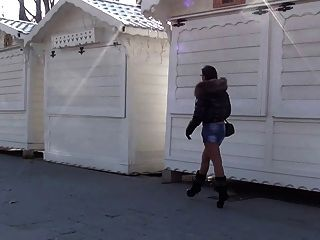 جوليسكيهيه في باريس فاتنة الساخنة في العامة الكعوب العالية الأحذية