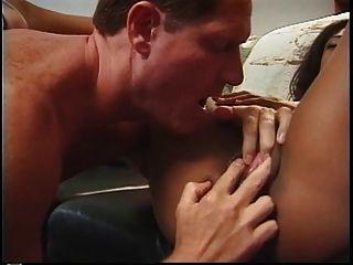 أسود أماتور مارس الجنس من الصعب على الأريكة