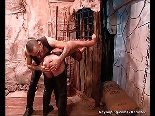 اثنان صنم مثليون جنسيا في جلد ماستوربيت و اللعنة هم أسيس