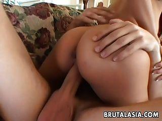 حار و أقرن التايلاندية الكلبة جيتس مارس الجنس بواسطة لها رجل