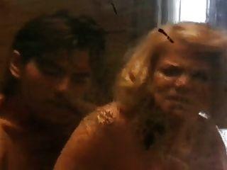 ناضجة أنثى شرطي جعل شاب يجرم لها جنس عبد 2