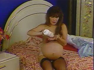حامل 9 أشهر (نربو)