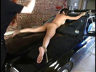 ميكا تان يهيمن بينما تعادل لسيارة