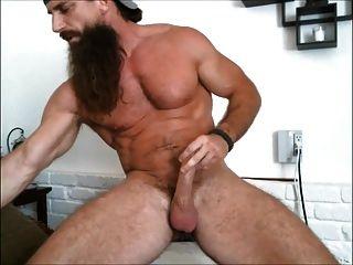 طويل العضلات الملتحية الرجل سولو # 2