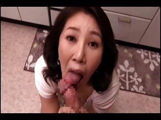 اليابانية أمي بوف مص (سينس)