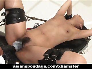 الآسيوية فاتنة بوند و فوكد بواسطة ل سخيف آلة