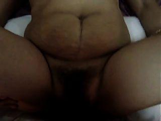 ناضجة فليبينا سيدة الحصول على مارس الجنس الشرجي