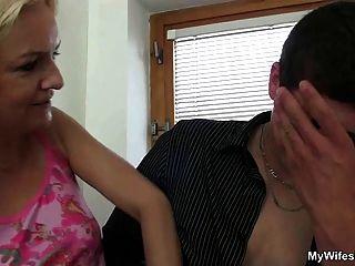 زوجة يأتي في و يرى لها فرنك بلجيكي الملاعين لها أمي