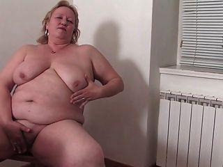 الجدة الدهون في المطبخ r20