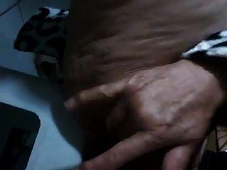 برازيلي الجدة التدفق معها شعر كس