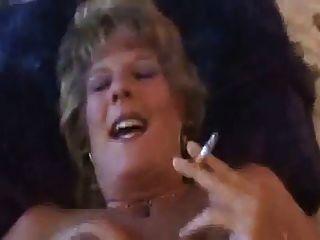 حار قذر يتحدث كبار السن أسد امريكي تدخين و سخيف