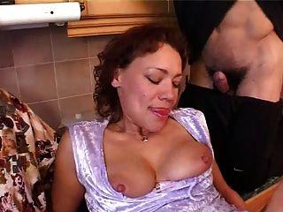 موم مع ساجي الثدي \u0026 4 غويس