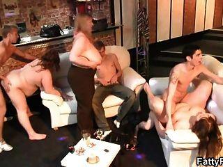الجنس الساخن مع طبطب كتكوت