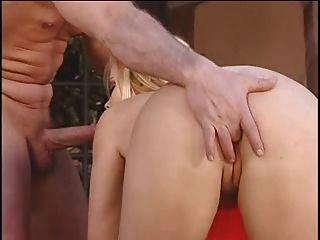 بريتيش وقحة أليشا رودس يحصل مارس الجنس بواسطة ال تجمع
