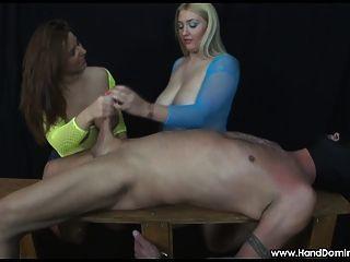 2 الفتيات مع ضخم الثدي فحص ل كوك خلال فيمدوم هاندجوب