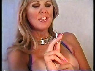 بام التدخين و بالإصبع كس