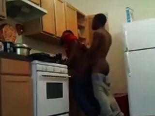 ضجيجا في المطبخ