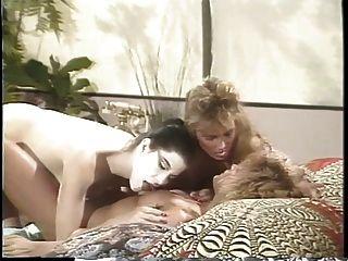إريكا بويير وجود مثليه الثلاثي مع اثنين الصديقات على السرير