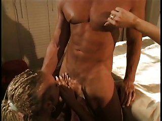 جميل شقراء الشرج وقحة مع بريدس يحصل لها الحمار مارس الجنس بواسطة ل كبير ديك
