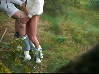في الهواء الطلق اللسان مع إكسيبيتيونيست ألماني زوجان