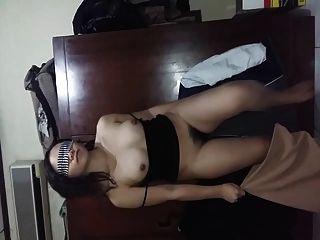 إندونيسيان فرنك غيني يظهر لها شعر كس الثدي والحمار