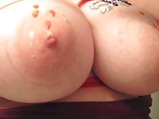 الشمع الساخن على الثديين